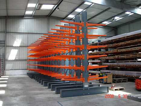 Cantilever occasion orange metal